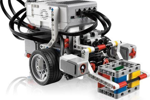 Объявляется набор учеников 1-4 классов на курс начальной робототехники «ПервоРобот»